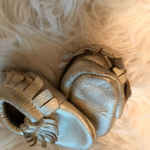 Freshly Picked Shoes - EUC size 2 freshly picked